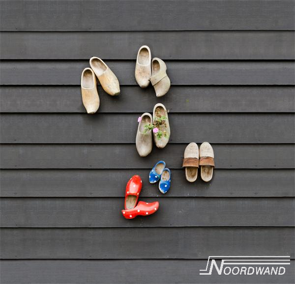 Foto behang Wooden Shoes Noordwand